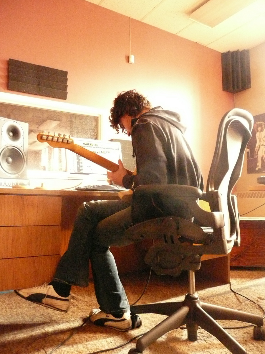 JZ tracking fuzzy noises with the Tele